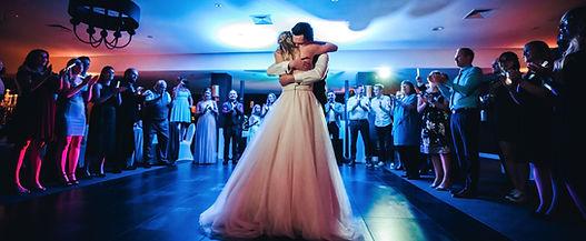 Brautpaar Hochzeit Hotel Van der Valk Moers Hochtzeitsfeier Eröffnungstanz