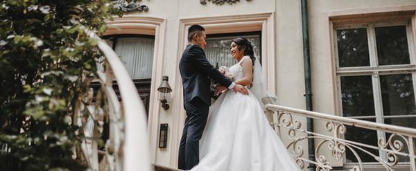 Brautpaar Hochzeit deutsch vietnamesische Trauung Schloss Schwansbell Lünen