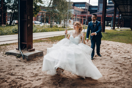 Brautpaar Hochzeit Brautpaarshooting Zeche Zollverein Essen mit Schaukel