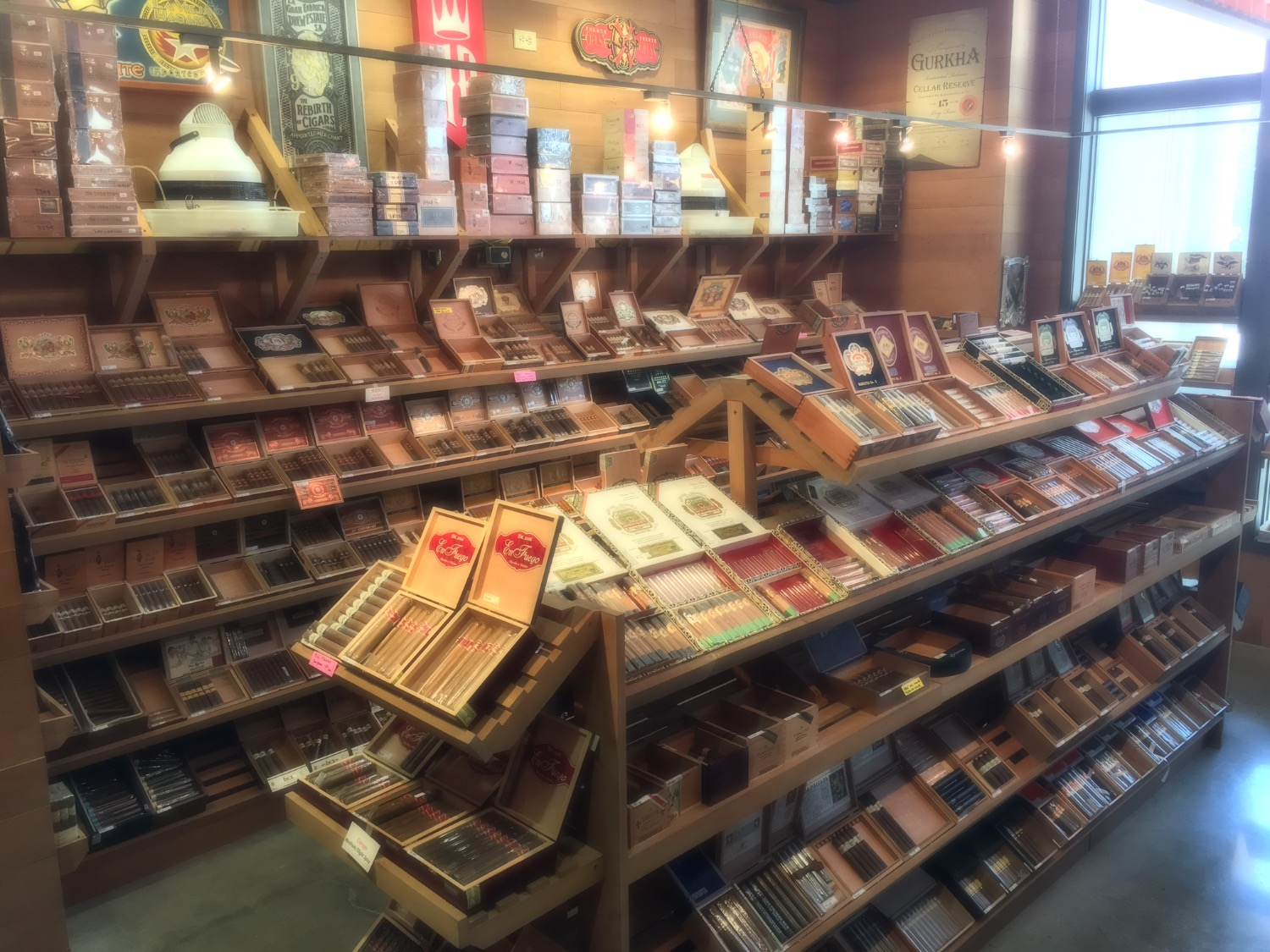 Cigars | United States | En Fuego Tobacco Shop
