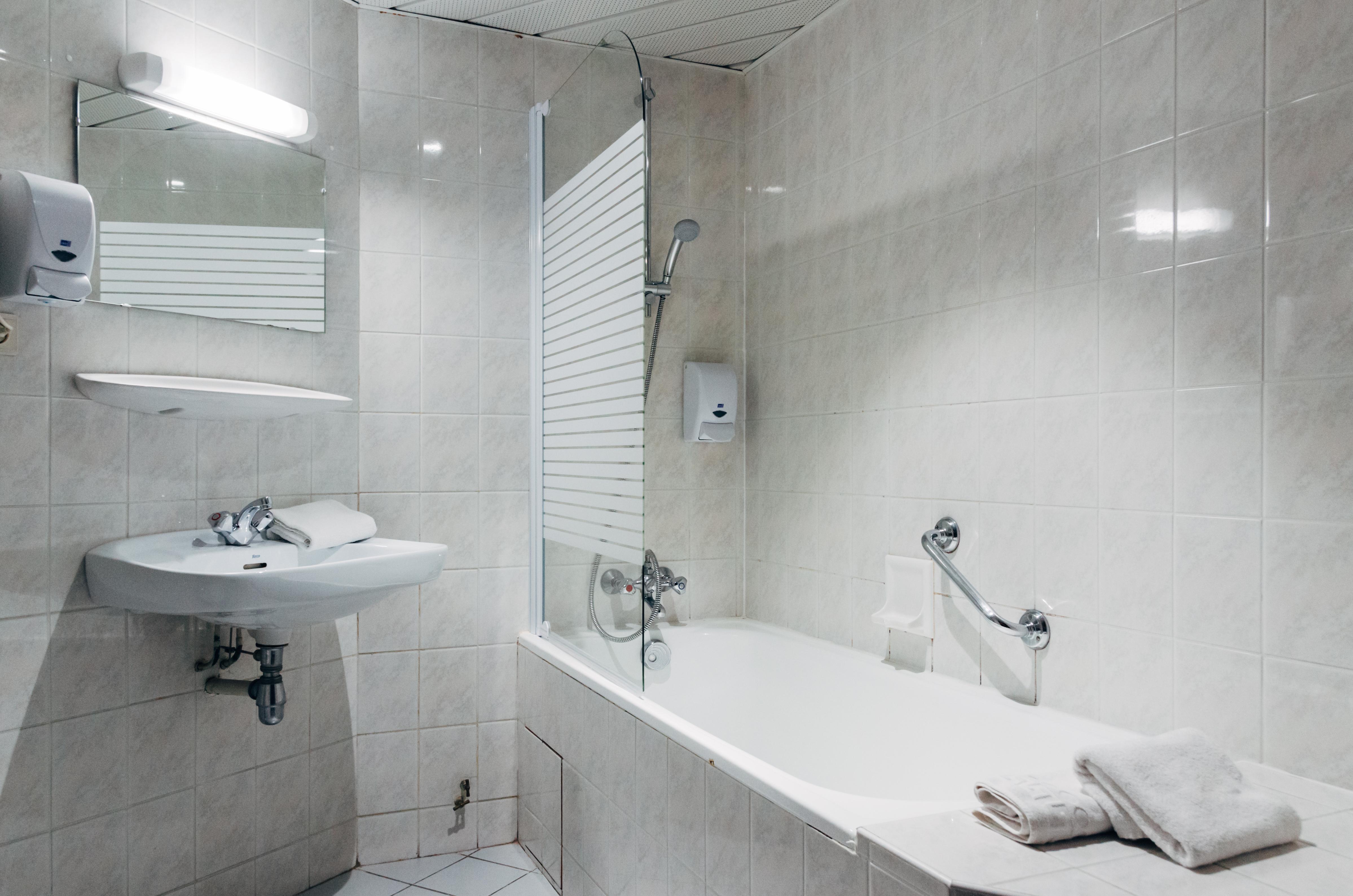 Les chambres hôtel Hélianthe Lourdes