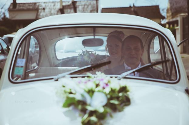 Photo Film Mariage Wedding départ voiture mariée