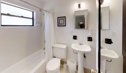 K64f78zT6yB - Bathroom(3).jpg