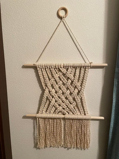 square knot weaving