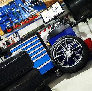 Reifen wuchten, Reifen montieren, Reifenservice, Reifenkaufen, Reifenhandel, Reifen montieren,