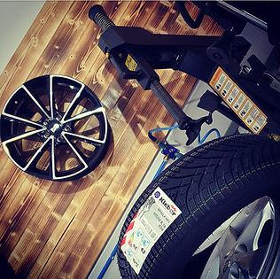 M&S Reifendienst, Reifenmontage, Reifen montieren, Reifen abmontieren, Runflat-Reifenmontage, Reifenhandel
