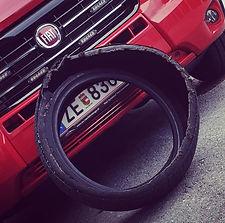 24H Reifennotdienst, Reifenreparatur - dein M&S Reifendienst steht dir bei Reifenpannen, Reifenplatzer und Reifendefekten rund um die Uhr zur Verfügung!