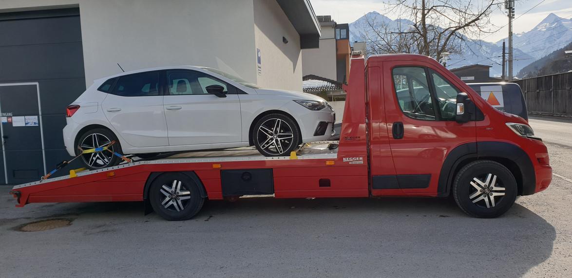 Abschleppen Seat Ibiza.jpg