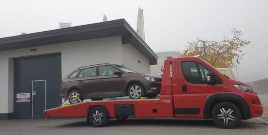 Neuwagenzustellung.jpg