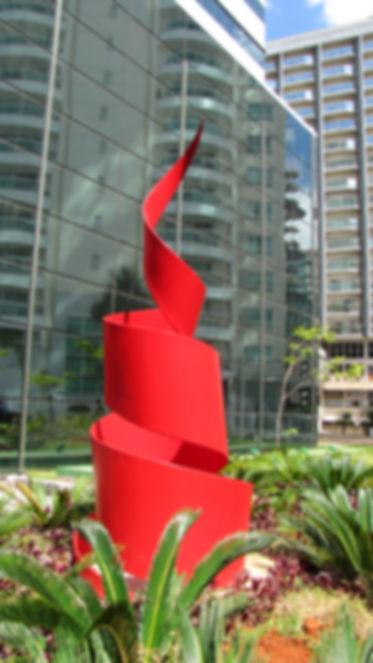 Escultura Chama da Vida  para o Hotel Vision Work & Live - João Fortes  Por Paulo Mac Dowell