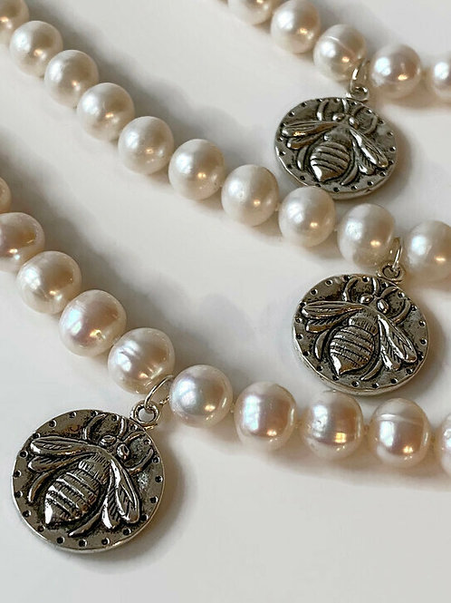 Pearls & Bee Bracelet - Silver Toggle