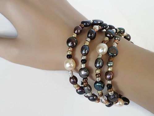 Bracelet - Freshwater pearls, crystals and More