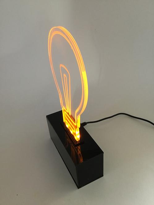 Luminária formato de lâmpada