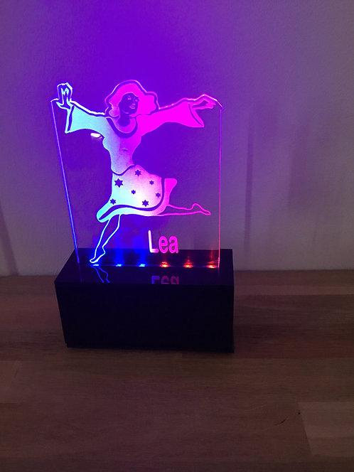 Luminária dançarina harkadá
