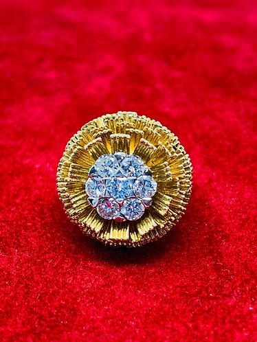 18K Yellow Gold Flower Style Diamond Estate Ring