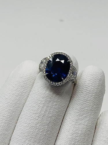 Platinum Sapphire Ring with VS Diamonds *GIA Certified*