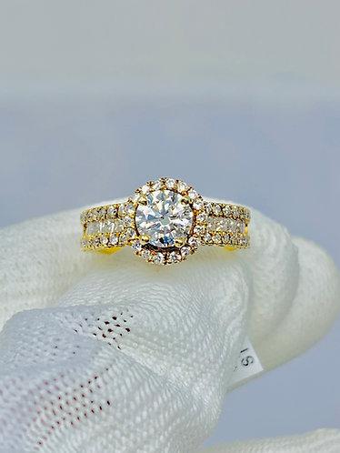 18K Yellow Gold 1CT Round Brilliant Diamond on Princess & Round Cut Diamonds
