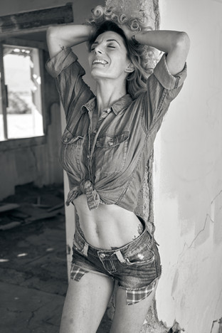 Shauna - Country Girl (B&W) 1.jpg