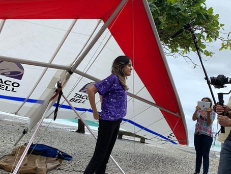 Taco Bell chega ao Rio voando de Asa Delta