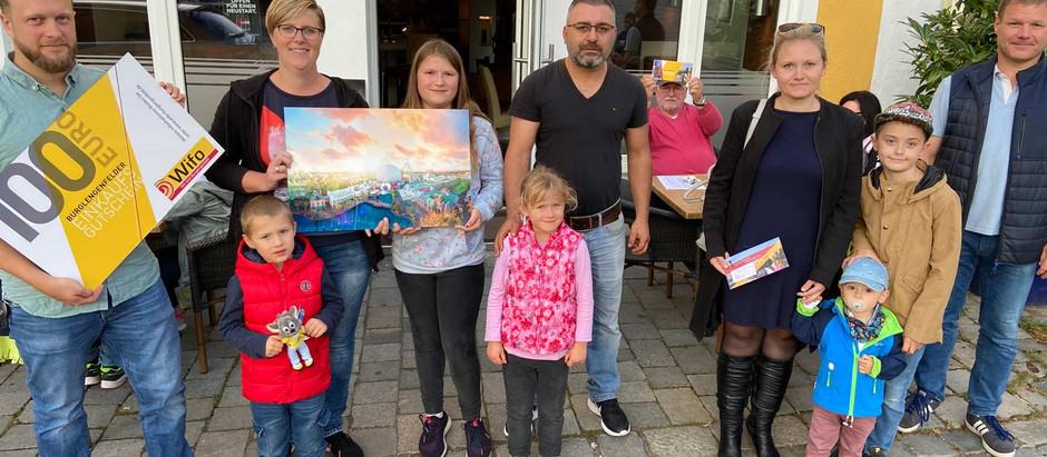 Fünfköpfige Familie gewinnt HIGH FIVE STEMPELKARTENAKTION