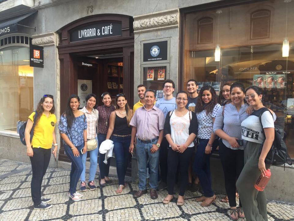 Group of Students (Fado Vadio)