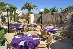 hotel-leon-de-sineu_mallorca_29_jardin.j