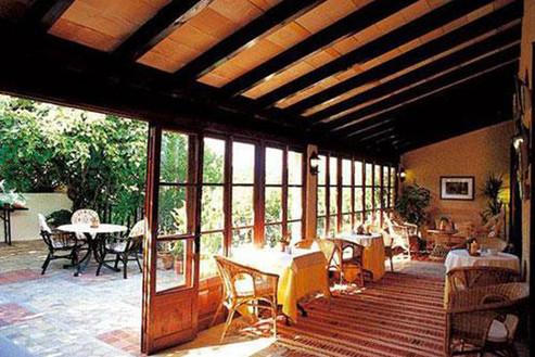 hotel-leon-de-sineu_mallorca_12_bar.jpg