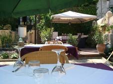 leon_de_sineu_terraza_restaurante.jpg