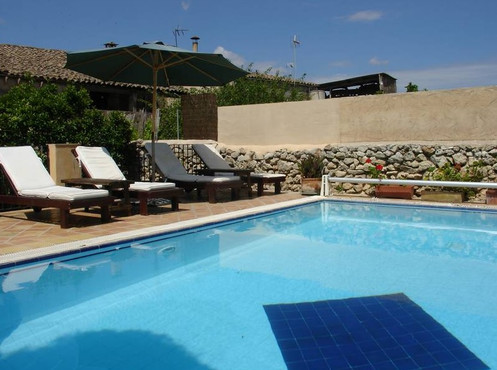leon_de_sineu_piscina.jpg