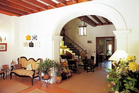 hotel-leon-de-sineu_mallorca_11_hal.jpg