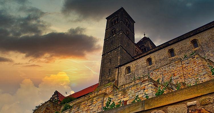 quedlinburg-4830131_1280_edited.jpg