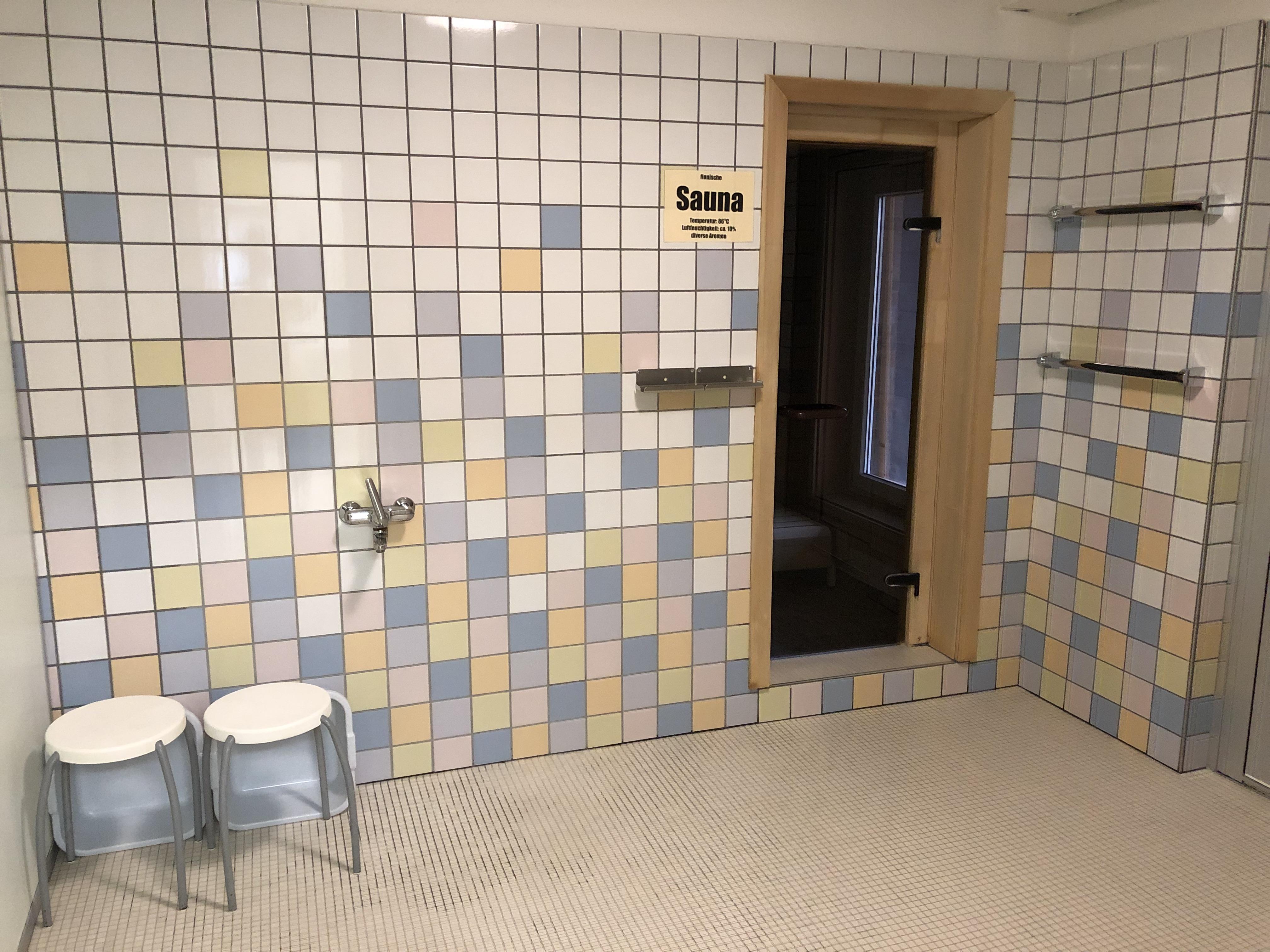 Eingang zur grossen Finnischen Sauna