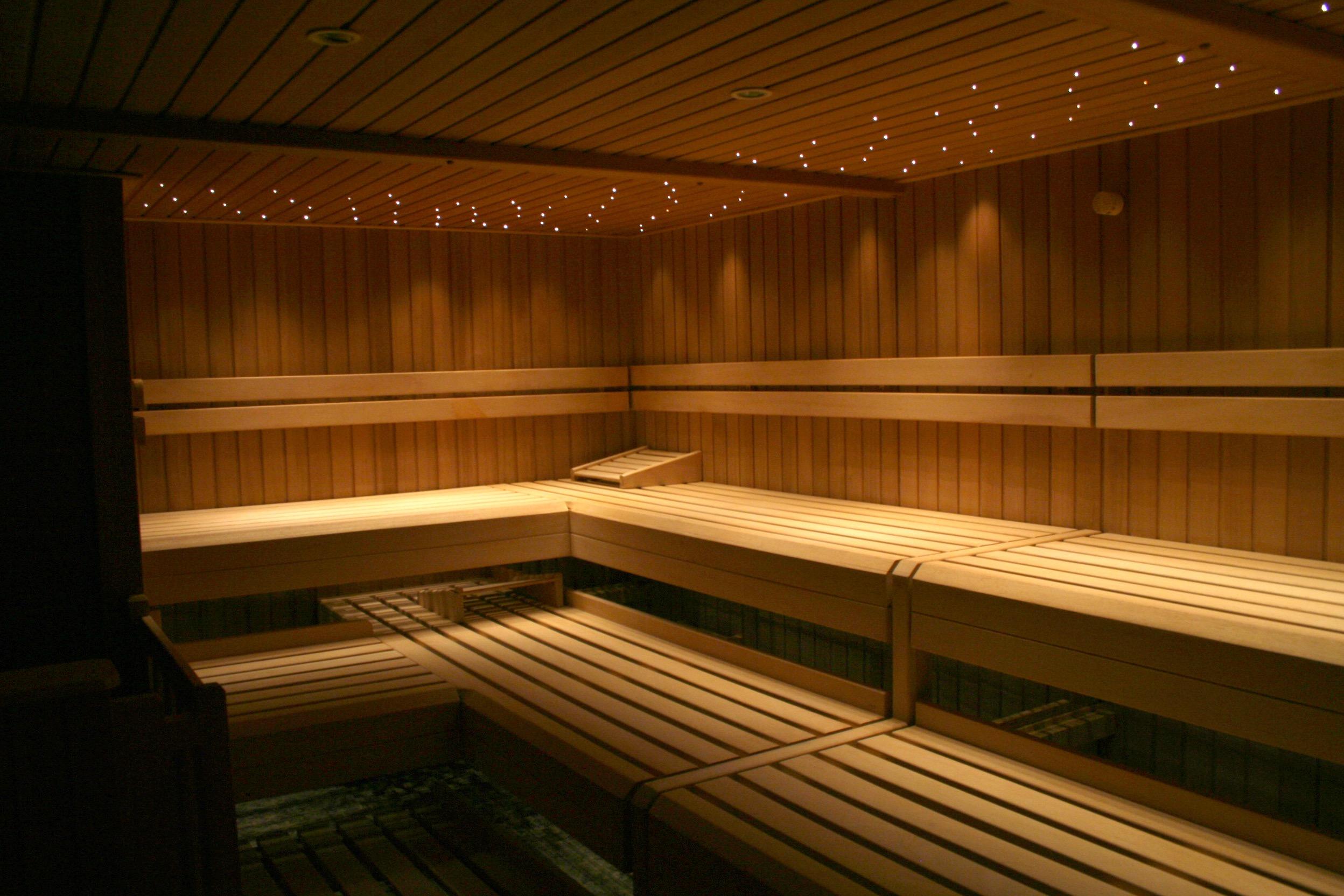 grosse Finnische Sauna