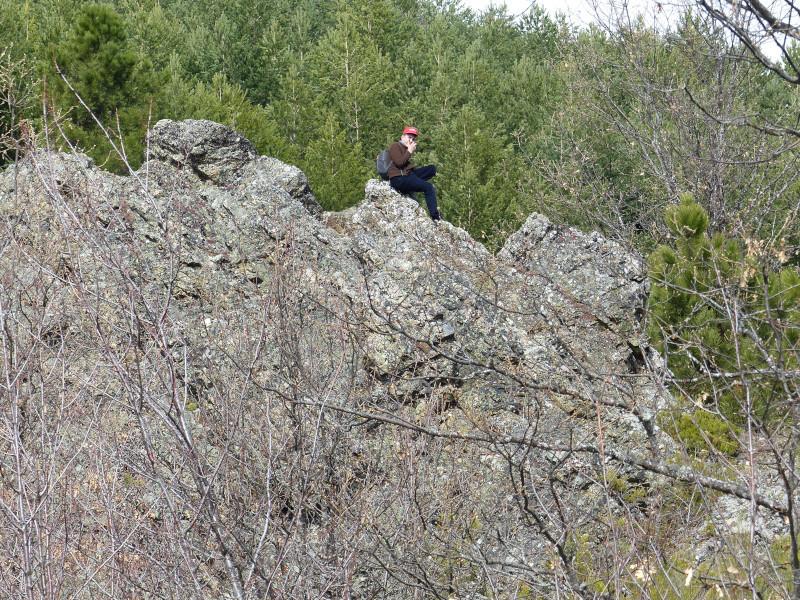 En lo alto de una roca
