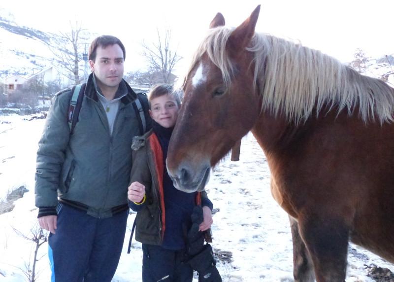 Al lado del caballo