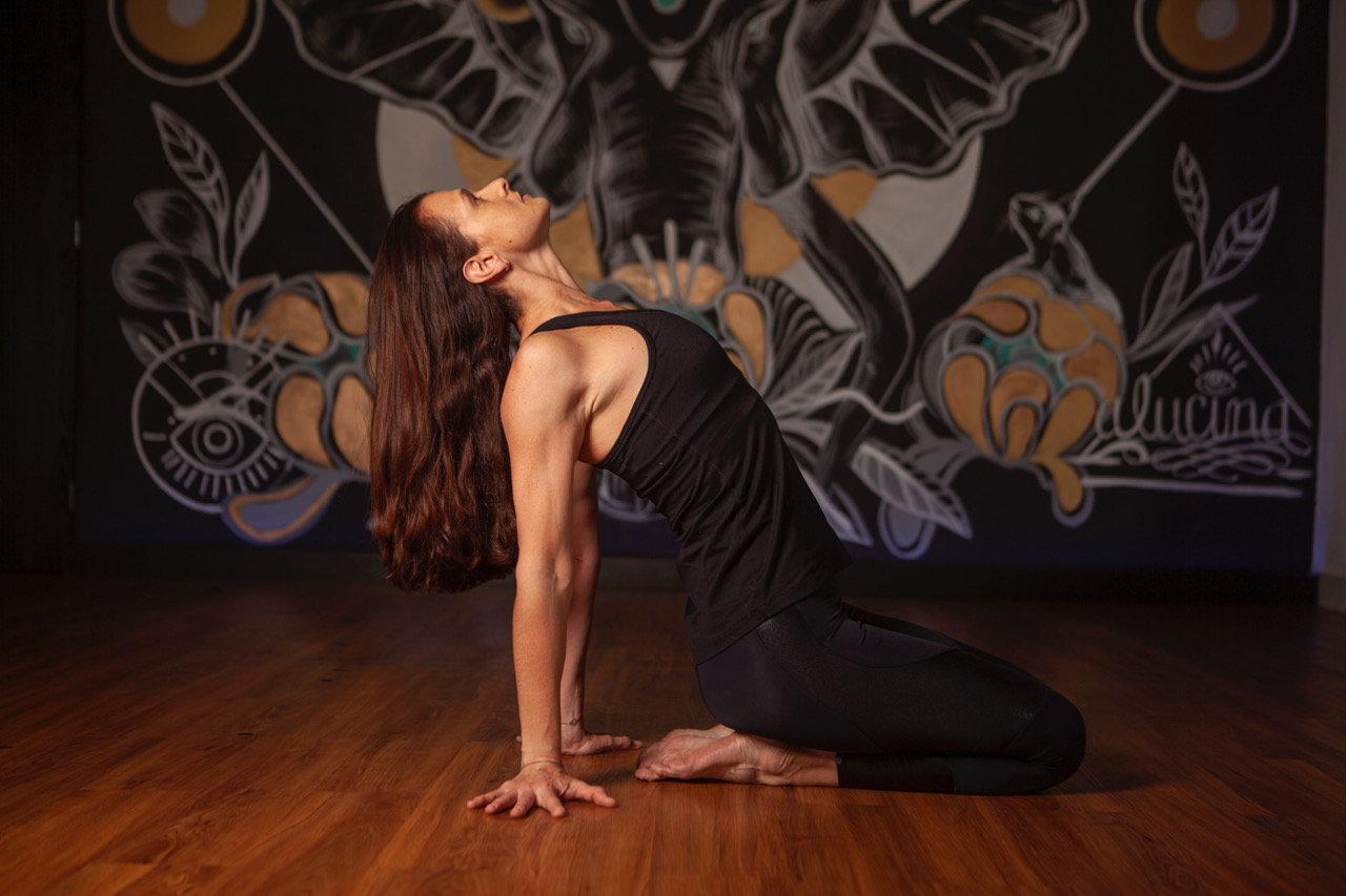 Yoga con props               (6:00 PM)