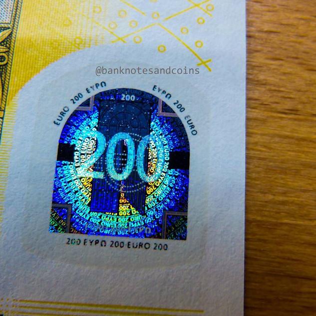 SUPER BANKNOTES (20).jpg