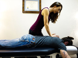 chiropractor-lower-back-pain