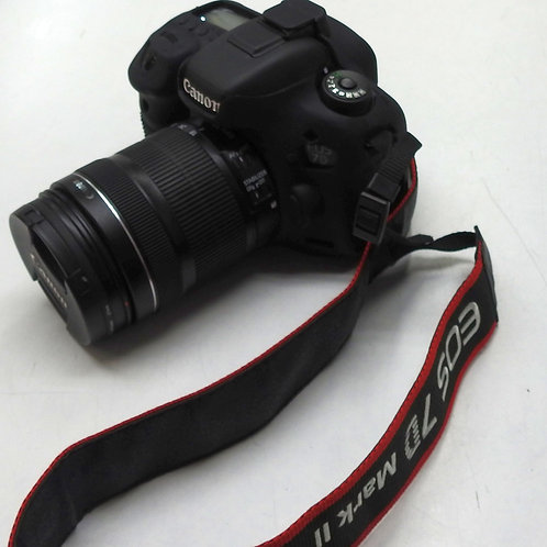 Canon EOS 7D Mark II , 18-135 lens ,50mm lens in mint condition