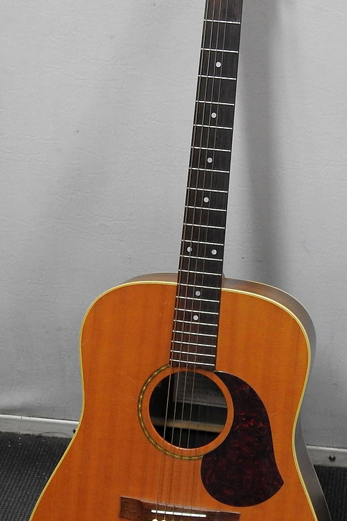 Maton M325 accoustic guitar quite rare model in hard case