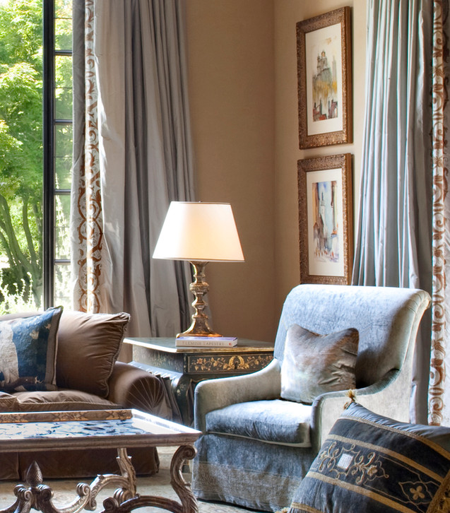 Old Hewlett Estate - Living Room