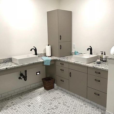 Accessible Bathroom - Plato