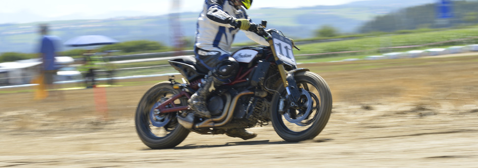 #flattrack #dirttrack #steeltraophy #turnleft #motorcycleracing #flattrackracing #switzerland #swissdirttrackassociation #swissflattrack #vintageflattrack #swissflattrackchampionship