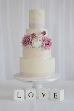 lilac and sparkle wedding cake