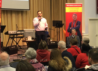 Community funding frenzy at Ogmore MP and AM's advice day