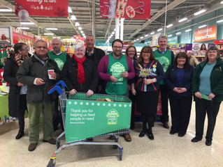 MP and AM Help Foodbank Collections for Busy Christmas Period