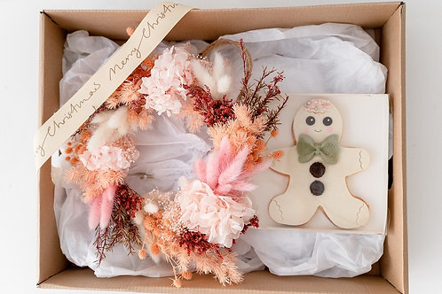 PASTEL WREATH AND COOKIE HAMPER