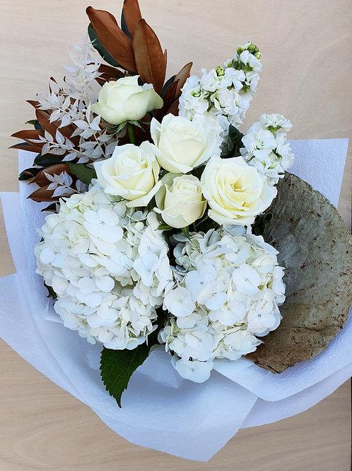 CLASSIC WHITES BOUQUET ( FRESH)