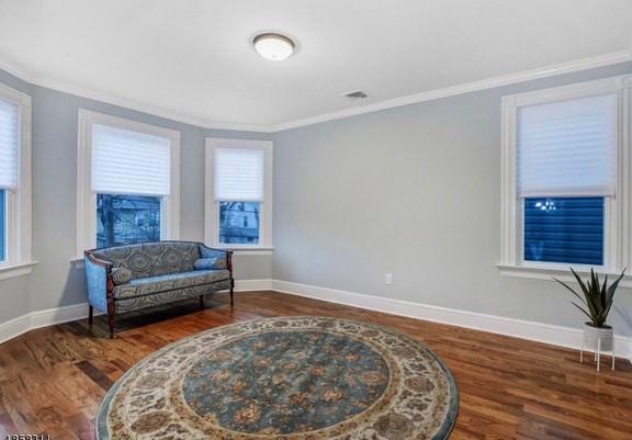 Guest room (home flip)