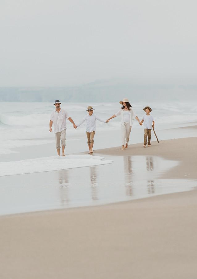 19_08 Beach Family-64.jpg